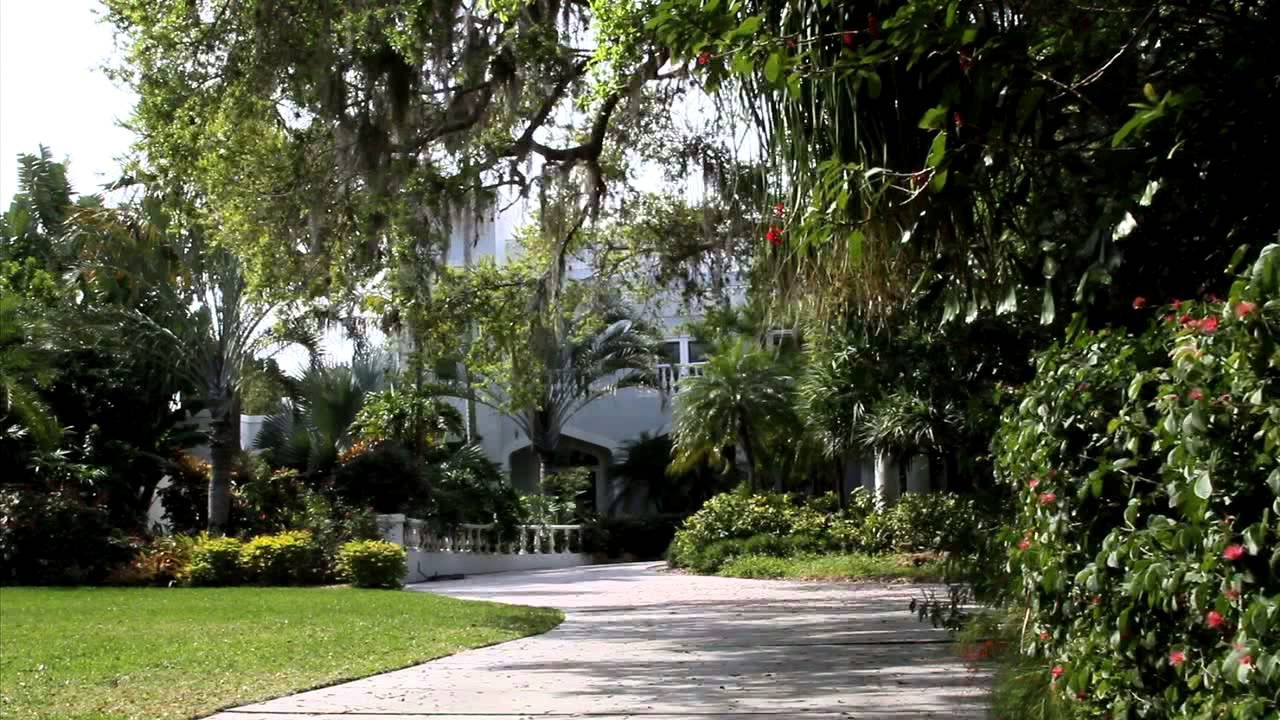 Hidden Waterfront Gem – 3315 Bayshore Rd