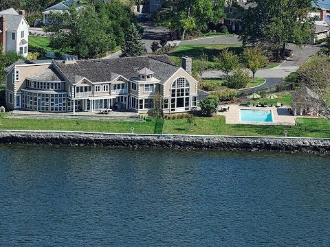 Extraordinary Waterfront Residence