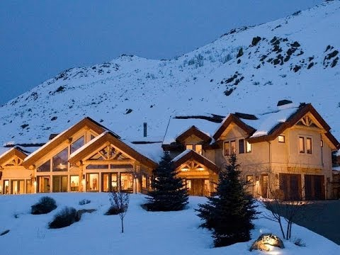 Custom Designed Lodge Home – Spectacular Snowy Views