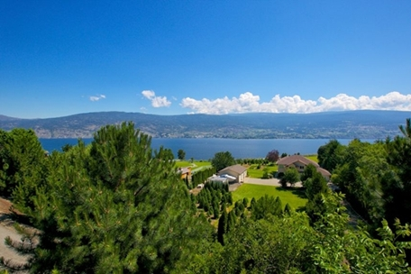 Summerland Residence – 10303 Walters Road