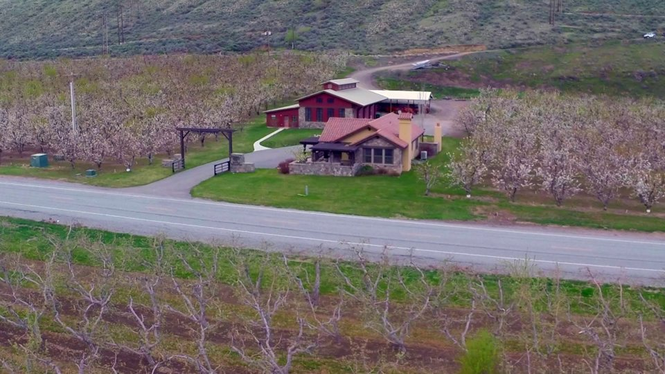Luxury Country Estate – Country Showplace at Midnight Ride Ranch – Auction