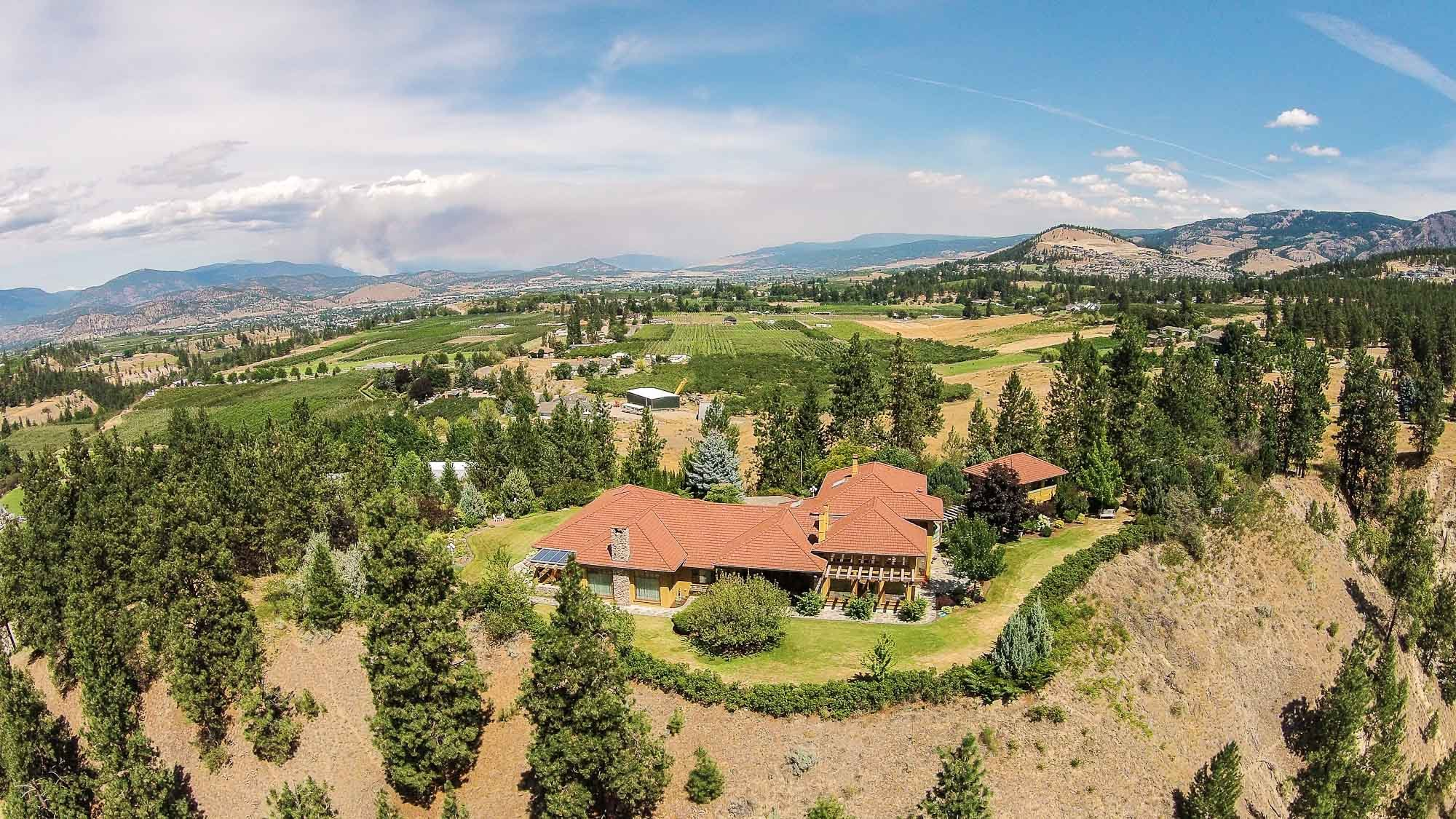 Dual Residence with Unparalleled Land – 2834 Belgo Rd