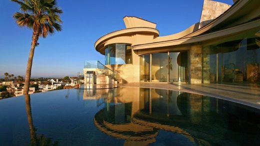 Contemporary Residence - 7455 Hillside Drive