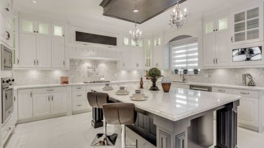 Harbour Place Sophisticated Elegance - 818 Rondeau Street