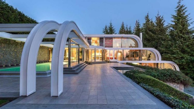 Iconic Canadian Masterpiece – Eppich House 2