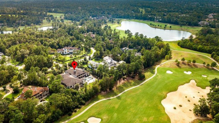 Exceptional Golf-Front Living in The Woodlands