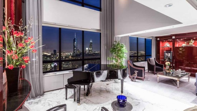 Home of the Week: Private Ritz Carlton Suite