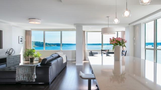 Luxury Apartment With Magnificent Ocean Vista