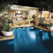 poolside-kitchen