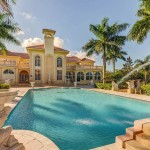 Court of Versailles Estate up for Auction