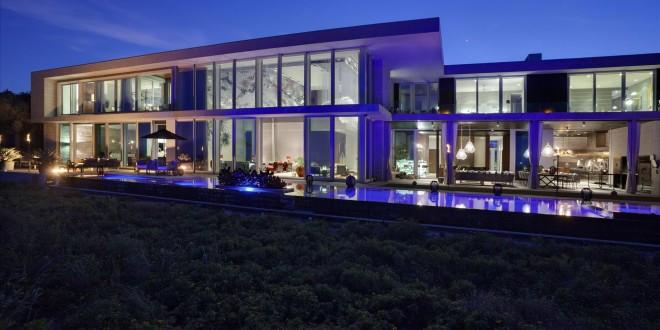 Modern Oceanfront Oasis – $35,000,000
