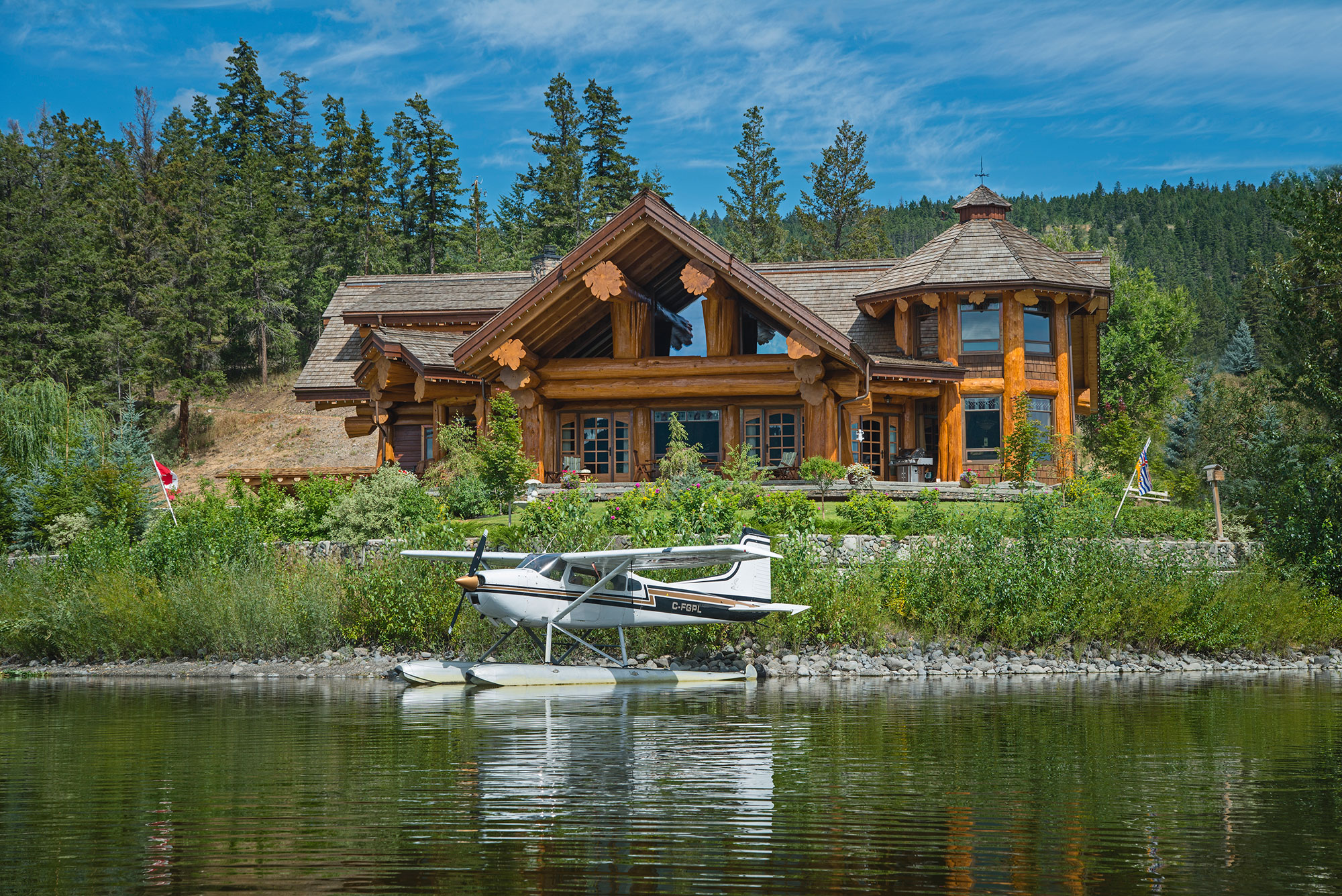 Timber king 39 s log home masterpiece living for Luxury log home