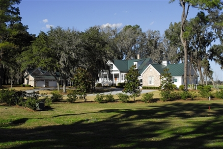 Luxury homes details for the family compound southern for Home builders in richmond hill ga