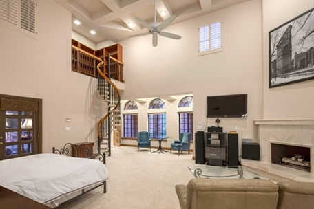 Luxury Homes Details For Stately Manor In La Place