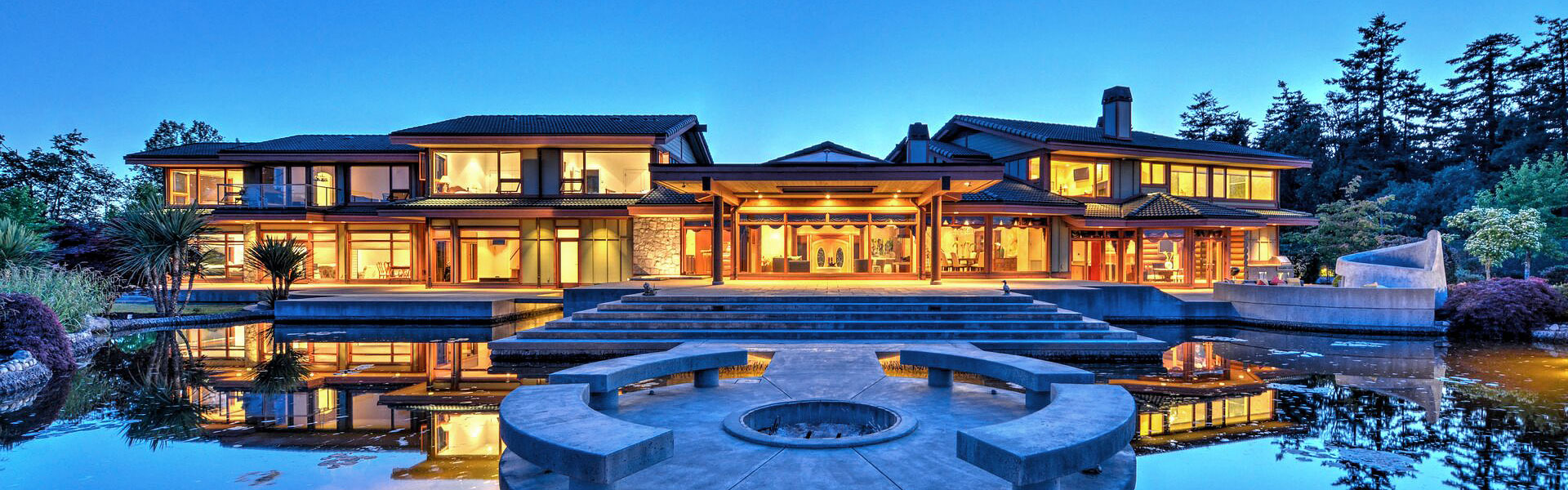 Luxury homes real estate and the brokers who sell them for Luxury homes victoria